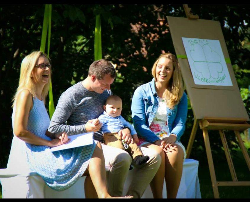 Baby Willkeommensfeiern - Wir sind auf Glücksmission - Glücksmomente by Julia Leddin