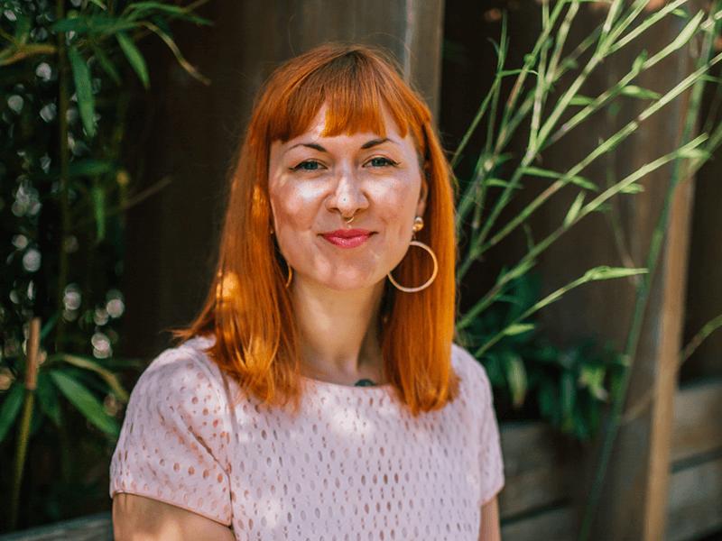 Traurednerin Ramona Miche